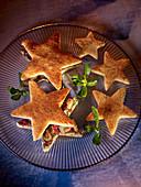 Star-shaped toast