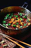 Asiatische Glasnudelsuppe mit Rindfleisch