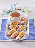 Mini-roll with blackberry cream