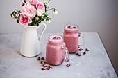 Detox pink smoothie