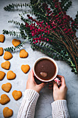 Coffee and gingerbread cookies