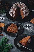 Schokoladen-Spekulatius-Gugelhupf mit Puderzucker