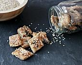 Vegane Sesam-Cracker