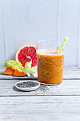 Endive bitter elixir with papaya and chia seeds