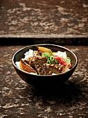 Gyudon - Japanische Reisschüssel mit Rind