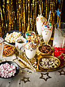 Vanille-Milchshake-Bar mit Toppings für die Sylvesterparty