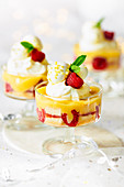 Drizzle trifle with lemon cream and raspberries (for Christmas)