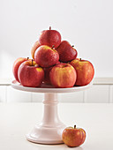 Äpfel auf Ständer