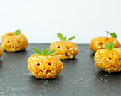 Sweet vegan pumpkin balls for Halloween