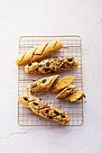 Low-Carb-Brot aus Mandelmehl und Haferkleie