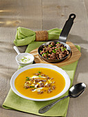 Pumpkin soup with minced meat