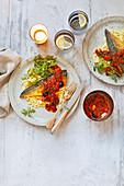 Makrele mit Orzo-Puttanesca-Sauce