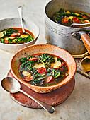 Caldo Verde (Grünkohl-Kartoffel-Suppe mit Chorizo)