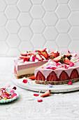 Vegan strawberries and cream un-cheesecake