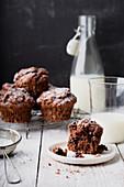 Schokoladenmuffins mit Milch
