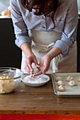 Tender amaretti - making of