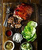 Langsame gebratene Schweineschulter (Korea)