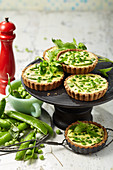 Gluten-free pea tartlets with fresh goat's cheese