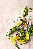 Verschiedene Gurken- und Zucchinisorten