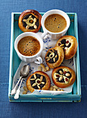 Yeast cakes with cottage cheese and poppy seeds