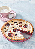 Linzer cake with mixed currants