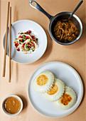 Bao buns, lamb, salad and sauce (Taiwan)
