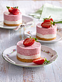Non-baked strawberry towers