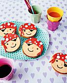 Mini pirate Amerikaner (soft, sponge cake-like shortbread) a children's birthday party
