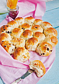 Sweet pull-apart bread