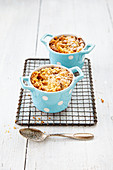 Peach crumble with cashew nuts