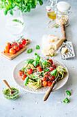 Pesto pasta with cherrytomatoes
