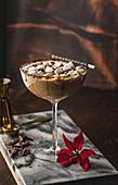 Schokoladen-Martini mit Mini-Marshmallows
