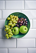 Blue and green table grapes, Granny Smith apples