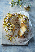 Fancy bread with mascarpone and pistachios