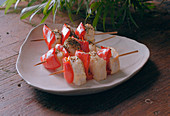 Chicken and peppers brochettes