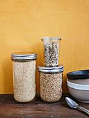 Quinoa, Buchweizen und Sonnenblumenkerne