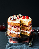 Almond and cherry cake with white chocolate
