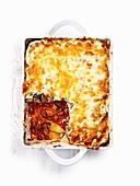 Schnelles Moussaka mit Kartoffeln, Auberginen und Lammhackfleisch
