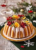 Kokos-Dattel-Kranzkuchen zu Weihnachten