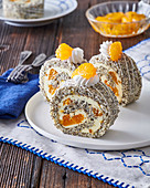 Poppy seed roll with tangerines