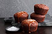 Brownie muffins with salted caramel