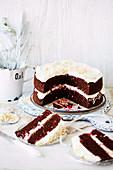 Glutenfreier Schokoladenkuchen mit Frischkäsecreme