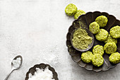 Vegane Matcha-Kokos-Cookies