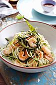 Zucchini spaghetti with prawns