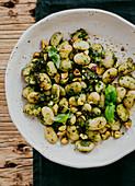 Butterbohnen mit Pesto uund Nüssen