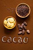 Schokoladenzutaten: Kakaobutter, Kakaonibs, Kakaobohnen