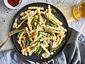 Gemelli with green asparagus and lemon-cream sauce