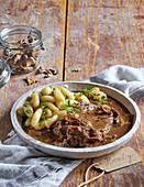 Roastbeef with mushroom sauce