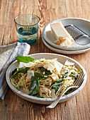 Spaghetti with chicken and spinach
