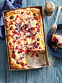 Tray cake with summer fruits